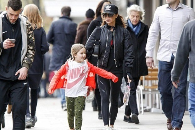 6-летняя дочь Виктории Бекхэм уже ходит на каблуках
