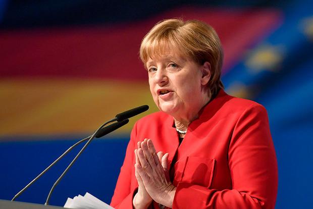 Меркель не планирует полностью отказаться от поставок оружия Турции