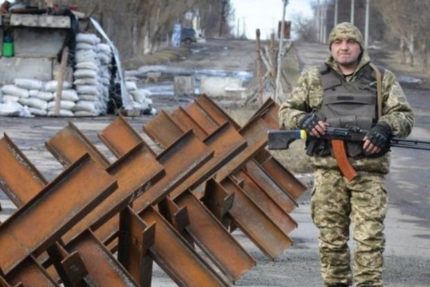 На Донбассе боевики 118 раз обстреляли позиции сил АТО, один боец погиб, девятеро ранены