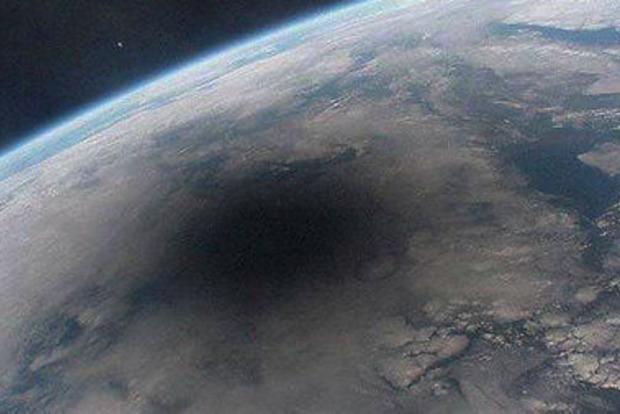 Над Арктикой закрылась гигантская озоновая дыра