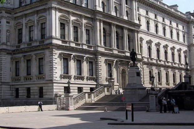 МИД Британии обеспокоен подрывом борьбы с коррупцией в Украине