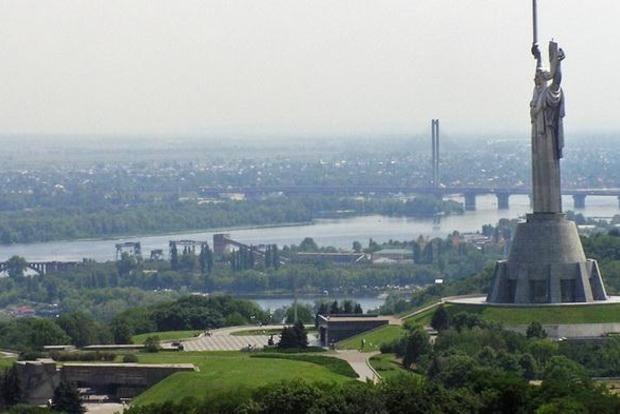В Киеве упростили порядок передачи прав на землю коммунальной собственности