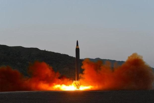 КНР осудил очередное испытание баллистической ракеты вКНДР