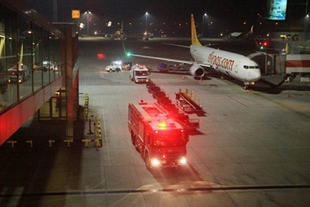 Первые видео с места теракта в аэропорту Стамбула