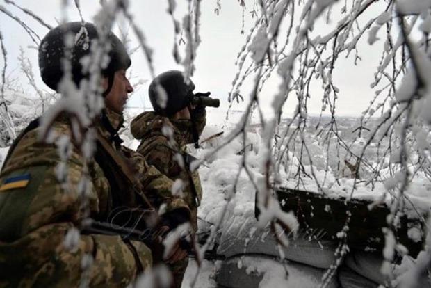 Неспокойная ночь: 7 обстрелов, боевики стреляют из минометов и танков во всех направлениях