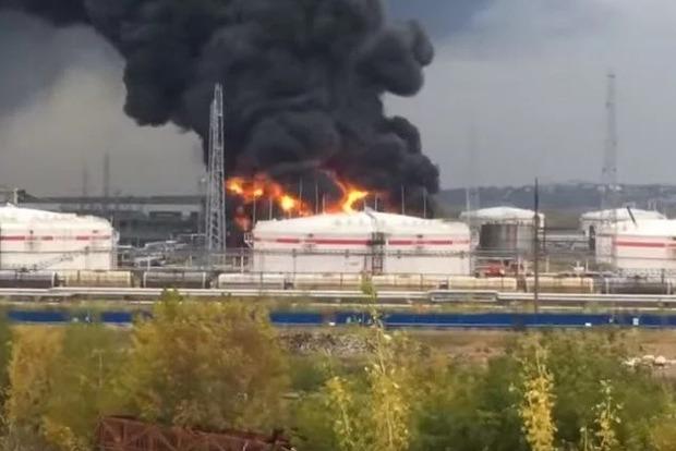 В России одновременно сгорели завод Лукойл и недостроенный стадион