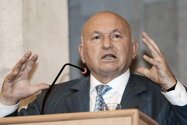 Лужков назвал «бредом» сообщения о своей клинической смерти