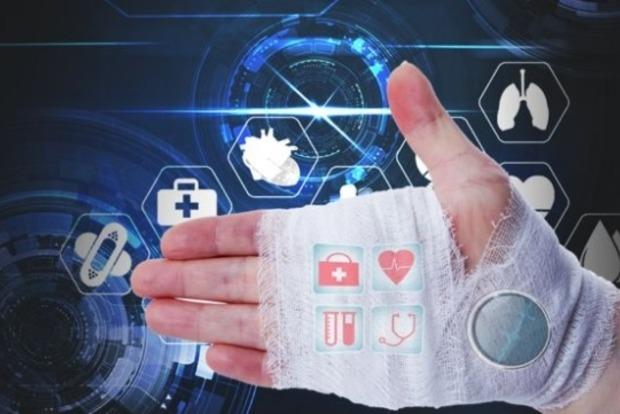 Ученые Британии взялись за разработку «умных» бинтов, следящих за заживлением ран