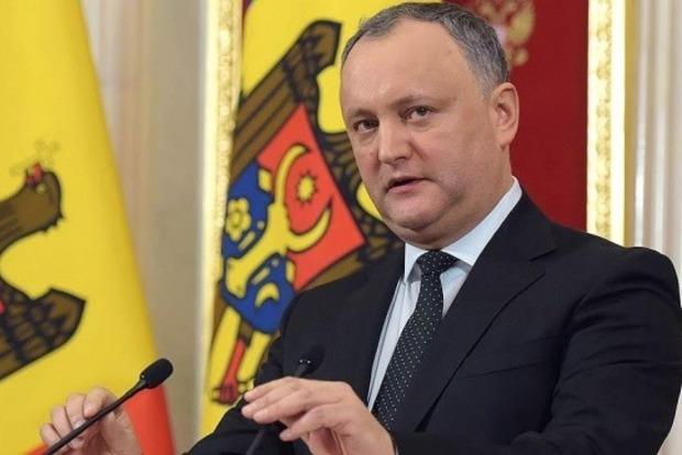 Уже в пятый раз. Президента Молдовы отстранили от должности