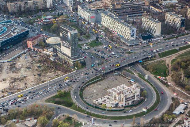 В Киеве на месяц запретят ездить на Лыбедской площади