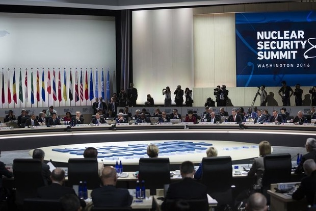 Порошенко призвал ядерные державы ввести эффективные гарантии безопасности