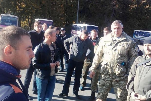 В Виннице водитель маршрутки выставил бойца АТО и выбросил его вещи
