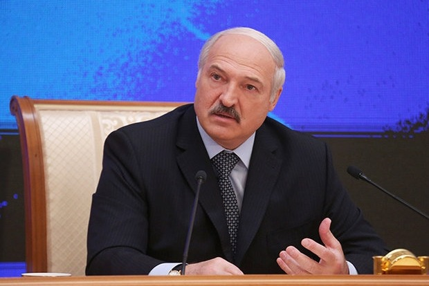 Лукашенко заявил, что не рвется в миротворцы, но готов провести выборы на Донбассе