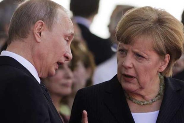 Focus: Меркель передала досье на Путина спецслужбам Британии