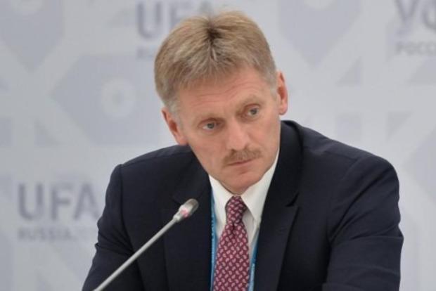 Песков утверждает, что Сенцову не отказывали в помиловании: просто прошения не было