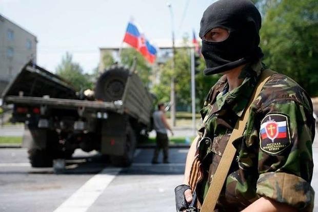 ВЛуганске нетрезвый боевик протаранил маршрутку