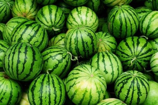 В Херсоне продают арбузы и дыни с огромным количеством нитратов – СМИ