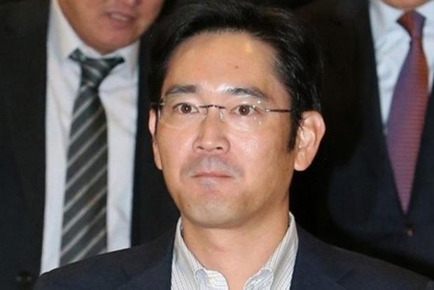 Одного зкерівників Samsung хочуть засудити до12 років в'язниці