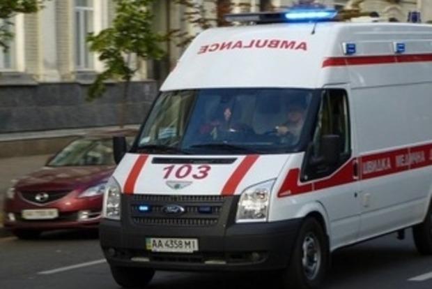 В Киеве из маршрутки выпала пассажирка, женщина в реанимации