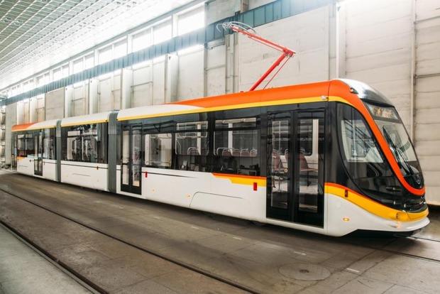 Татра-Юг представила новую модель трехсекционного вагона украинского производства