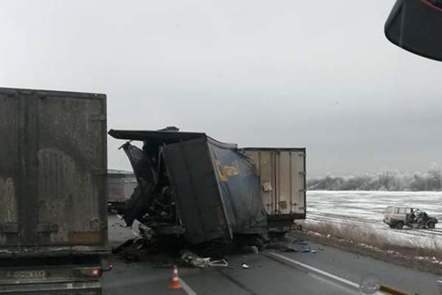 На трассе «Киев-Одесса» столкнулись 10 машин