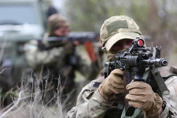 За сутки боевики 28 раз обстреляли позиции сил АТО
