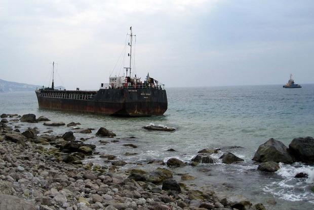 Возле Крыма сел на мель турецкий сухогруз, который мог перевозить контрабанду