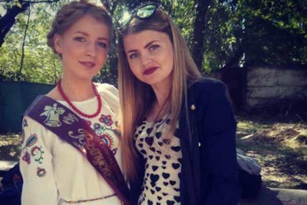 В Крыму выпускница пришла на последний звонок в вышиванке