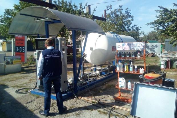 Черкасское ноу-хау: газовые заправки размещали по видом МАФов