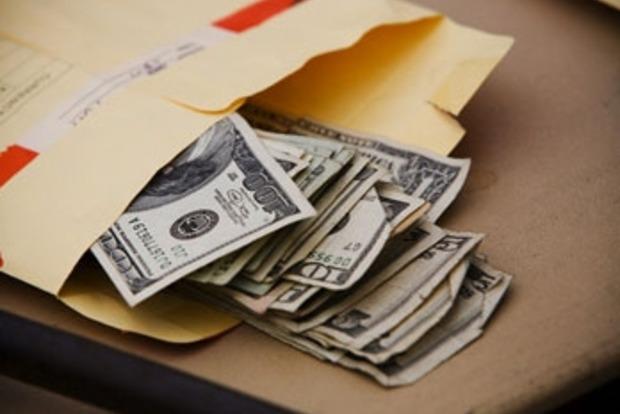 В Закарпатье чиновники присвоили 9,5 миллионов гривен