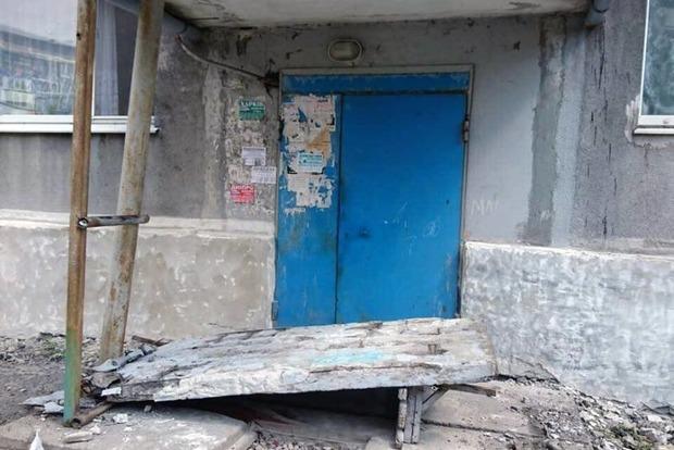 В Донецкой области на детей упала бетонная стена