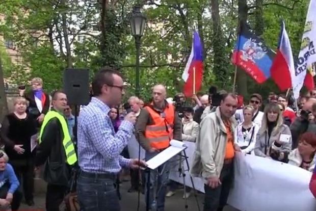 Около Донецка жители протестовали против принудительной мобилизации студентов