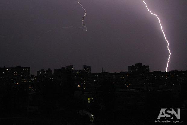 Дожди и грозы снова возвращаются в Украину