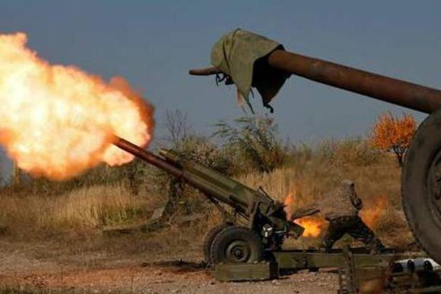На Донбассе ранены двое бойцов ВСУ, ответным огнем обезврежены 9 боевиков