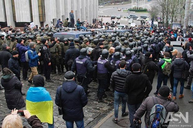 Сотрудники СБУ, конвоировавшие Саакашвили, должны были открыть огонь - Луценко