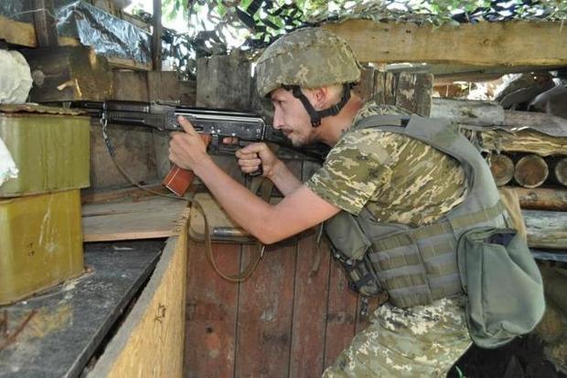 ВСУ подбили вражеский броневик и ликвидировали четырех боевиков