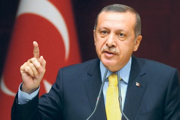Эрдоган в годовщину путча обещает рубить головы всем предателям