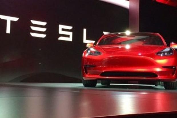 Tesla оказалась на грани банкротства