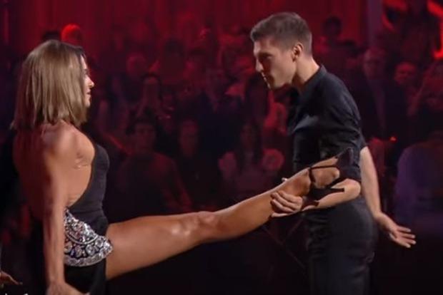 Стала известна пара, победившая в шоу «Танцы со звездами»