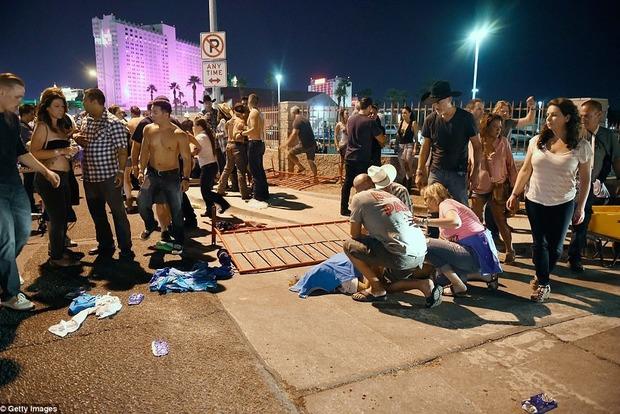 Ранены 24 человека, двое погибли— Стрельба вЛас-Вегасе