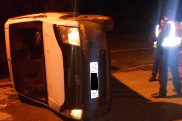 Нетрезвый мужчина наавтомобиле пытался пробиться через границу вМолдову