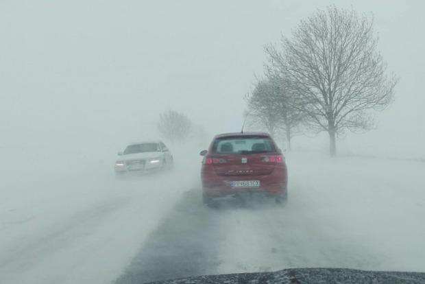 Венгрию и Словакию засыпало полуметровым слоем снега. Случились десятки аварий