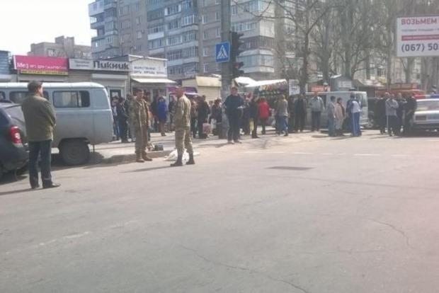 В Мелитополе автомобиль военных сбил людей на переходе, есть жертвы