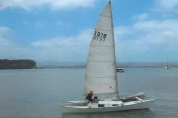 Житель Новой Зеландии и его дочь провели месяц в открытом море на дрейфующей яхте