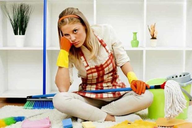 Почему нельзя мыть пол вечером и еще любопытные приметы про уборку