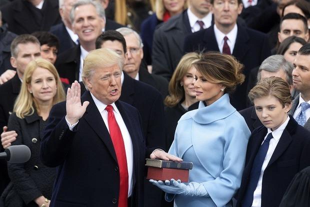 Скандал вБелом доме: Мелания Трамп отказалась отпутешествий смужем