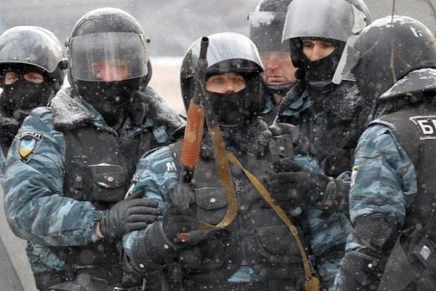 Суд продлил срок ареста пятерым экс-«беркутовцам» до 23 июня