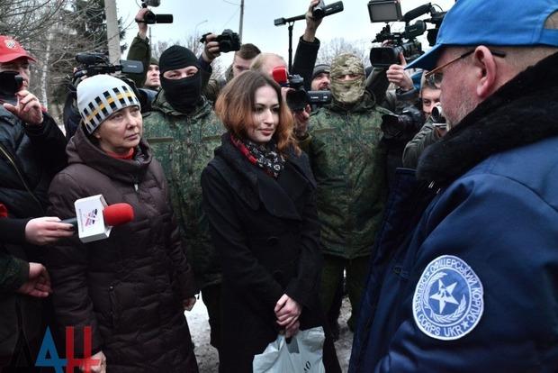 Боевики «ДНР» передали Рубану двух пленных женщин