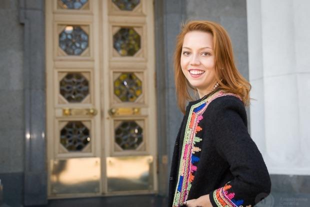 День с политиком: Рыжее счастье Алены Шкрум