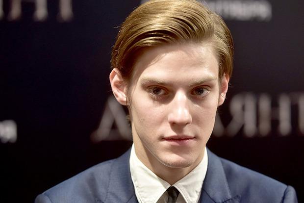 Сын актера Табакова прокомментировал госпитализацию отца
